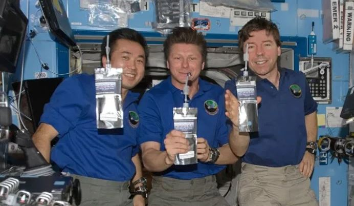 How Astronaut Get Air And Water In International Space Station and why the run out of those